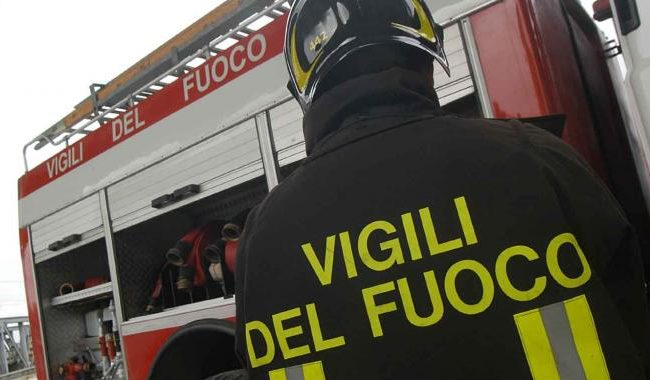 Incidente a Calabritto: auto finisce in una scarpata