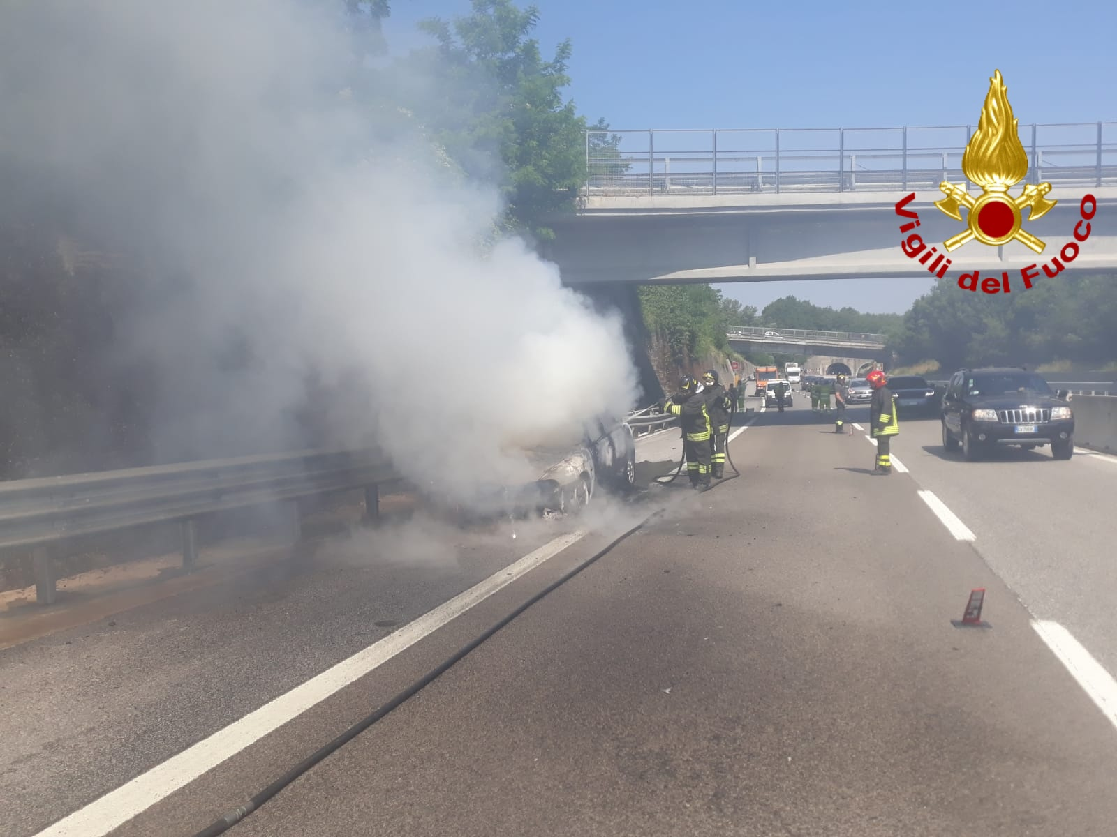 Photo of Auto in fiamme sull'A16 Napoli – Canosa